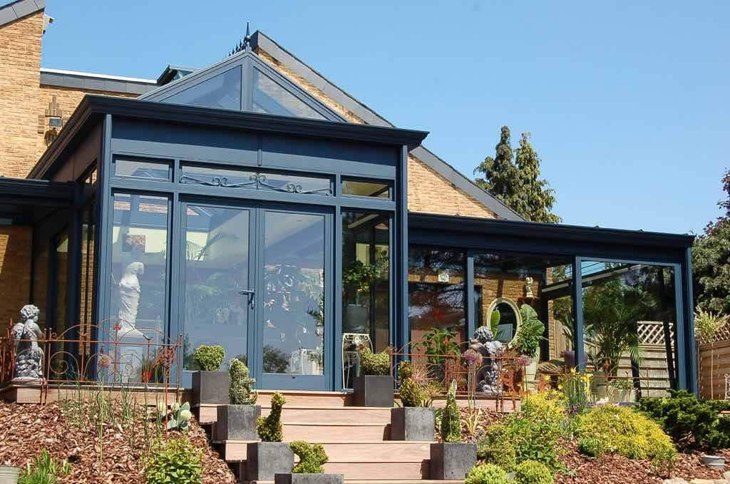 The advantages of aluminium entrance doors in your home