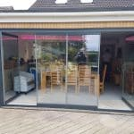 Frameless doors with double opening